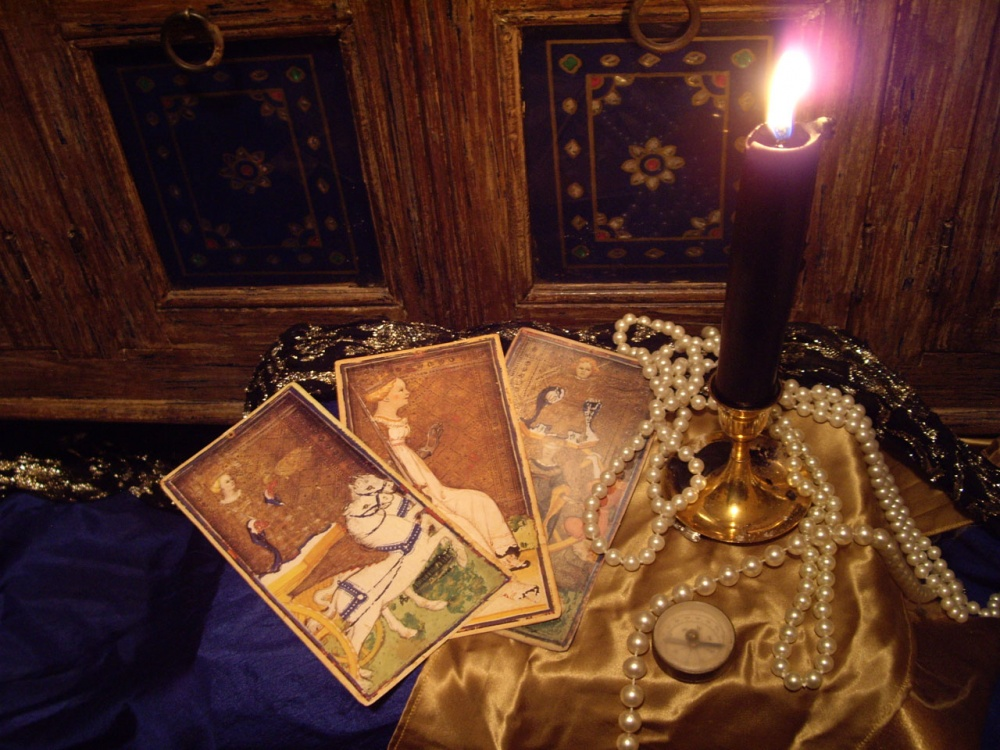 image of Tarot Card & Tea Cup Readings In Travellers Wagon